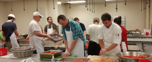 Volunteers help crush hunger